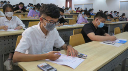 Bất ngờ khi cả… giáo viên và học sinh lớp 11 cũng dự thi đánh giá năng lực