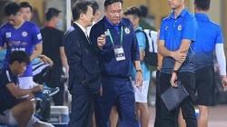 Hà Nội FC thua Viettel, bầu Hiển làm ngay 1 điều