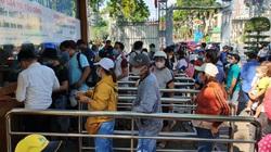 TP.HCM dịp lễ 1/5: Thảo Cầm Viên Sài Gòn quá tải, chen chúc người lớn, trẻ em vã mồ hôi mua vé