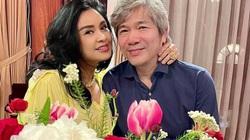 """HOT showbiz 1/5: Thanh Lam xinh đẹp """"bỏ quên"""" tuổi 52, hạnh phúc bên bạn trai bác sĩ"""