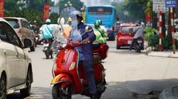 """Người Hà Nội kín mít như """"Ninja"""" trong đợt nắng gắt đầu mùa"""