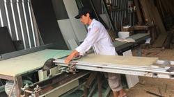 Khánh Hòa: Ông nông dân sáng chế máy cưa 2 lưỡi, dân làm nghề ai xem cũng trầm trồ thán phục