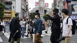 Thành phố Osaka của Nhật Bản chao đảo trước cuộc tấn công dữ dội của đại dịch Covid-19