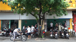 Hà Nội: Nhà hàng, quán ăn hối hả dọn dẹp, thay đổi trạng thái kinh doanh