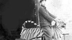 """""""Võ Tòng thời hiện đại""""- cụ ông 64 tuổi tay không giết hàng trăm con hổ, con nặng nhất 300 cân"""