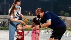 """CĐV Việt Nam tại UAE """"sốc"""" vì… HLV Park Hang-seo"""