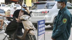 Ảnh: Chủ tịch Hà Nội xuống Bệnh viện K chỉ đạo khẩn công tác phong tỏa khi phát hiện nhiều ca nhiễm Covid-19