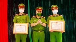Chủ tịch Hà Nội khen thưởng 2 cán bộ Công an quận Tây Hồ dũng cảm cứu người đuối nước