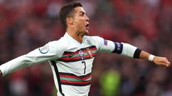 """2 lần """"xé lưới"""" Hungary, Ronaldo lập nên 4 siêu kỷ lục"""