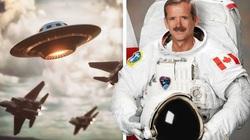 Phi hành gia Chris Hadfield nói gì về UFO?