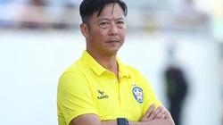 """3 đội bóng """"nhà giàu"""" trả """"lót tay"""" tiền tỷ mời HLV Lê Huỳnh Đức"""