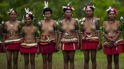 Lạ lùng bộ tộc Trobriand, phụ nữ được phép cưỡng bức đàn ông