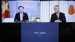Chủ tịch Quốc hội Vương Đình Huệ hội đàm trực tuyến với Chủ tịch Hạ viện Nhật Bản