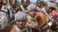 Tục lệ đa thê khiến đàn ông của bộ lạc Datoga phải chấp nhận điều này từ các bà vợ của mình