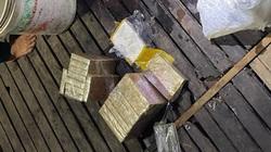 An Giang: Vớt thùng nhựa dưới sông, phát hiện bên trong chứa 7kg ma túy