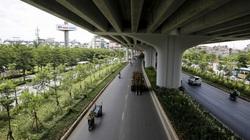 """Hà Nội: Con đường trở thành """"ốc đảo"""" mát rượi bởi đường trên cao và cây xanh"""
