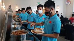 Một ngày của tuyển Việt Nam tại 'đại bản doanh' Crowne Plaza UAE