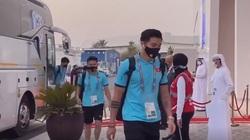 Video: Công Phượng, Quang Hải và các cầu thủ ĐT Việt Nam khí thế ngút trời trước giờ thi đấu với Indonesia