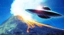 Núi lửa ở Indonesia phát ra ánh sáng từ ngoài Trái đất?