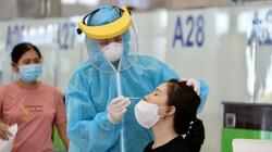 Hà Nội: Test nhanh Covid-19 cho hành khách trước khi lên máy bay tại sân bay Nội Bài