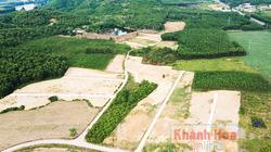 """Khánh Hòa: """"Quái chiêu"""" khiến giá đất nông nghiệp """"nhảy múa""""-xin hiến đất làm đường rồi phân lô chào bán rầm rộ"""