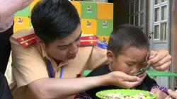 """""""Nuôi em Mộc Châu"""" – Dự án nối dài tương lai cho trẻ em nghèo vùng cao"""
