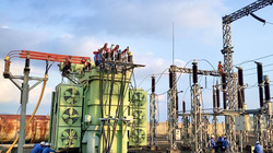 Cắt điện đường dây 110kV Pleiku- Diên Hồng thi công trạm biến áp