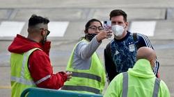 Sân bay Rosario bị cảnh báo đánh bom, Messi hú vía