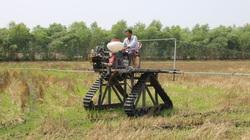 Long An: Ông nông dân sáng chế chiếc máy nông nghiệp 3 trong 1, mang ra đồng nhiều người kéo đến xem