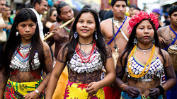 """Đàn ông bộ lạc Chagua nổi tiếng đa tình, được phụ nữ """"săn lùng"""" nhờ có bí quyết này"""