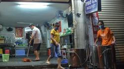 Hà Nội: Công an nhắc nhở, hàng loạt cửa hàng vội vàng đóng cửa trước 0h ngày 19/7
