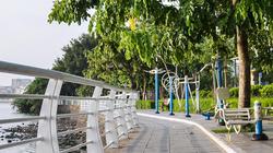 Hà Nội: Công viên, hồ Tây vắng người trong ngày đầu triển khai các biện pháp cấp bách phòng chống dịch Covid-19