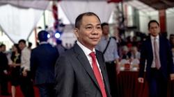 """Xe điện VinFast của tỷ phú Phạm Nhật Vượng """"đọ sức"""" Telsa"""