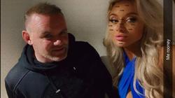 SỐC: Rooney lộ ảnh nóng với 3 gái lạ trong khách sạn