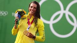Chuyện lạ Olympic: Dùng bao cao su dán thuyền, giành HCĐ