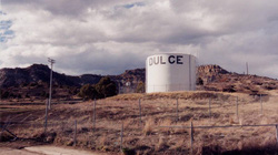 """Những lời đồn đáng sợ về """"căn cứ của người ngoài hành tinh"""" dưới lòng đất New Mexico"""