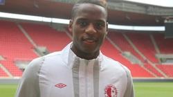 """SLNA """"giải cứu"""" Hoàng Vũ Samson, """"chơi lớn"""" với cựu tuyển thủ U23 Nigeria"""