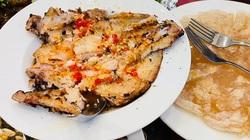 Bình Định: Bất ngờ với món đặc sản khi dích miếng bột mì, gắp miếng cá lóc, chấm nước mắm nhĩ-ngon thôi rồi