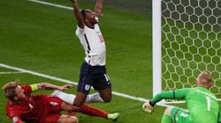 """CĐV châu Âu đồng loạt tẩy chay ĐT Anh vì """"mua trọng tài"""""""