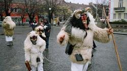Hungary: Lễ hội kỳ lạ khiến du khách vừa hoảng hốt vừa thích thú