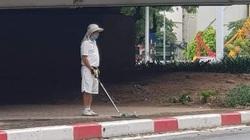 Đánh golf dưới gầm cầu vượt, cụ ông bị phạt 1 triệu đồng