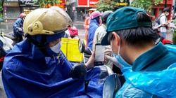 Hà Nội: Người gọi điện xin nghỉ làm, người ngậm ngùi quay đầu tại chốt kiểm soát
