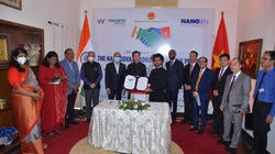 Công ty của Ấn Độ và Việt Nam ký thỏa thuận hợp tác sản xuất, phân phối vaccine Nanocovax