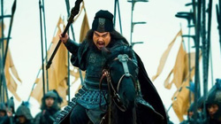 Bị 8 chiến tướng của Tào Tháo dồn vào đường cùng, vì sao Trương Phi 1 mình vẫn phá được vòng vây thoát nạn?