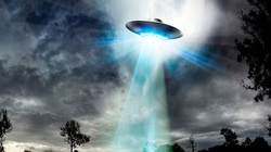 'UFO màu xanh kì lạ' được nhìn thấy những 2 lần ở Canada