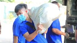 30 tấn nông sản người dân mua từ Đồng Tháp qua hoa hậu H'Hen Niê rồi mang về TP.HCM, Bình Dương, Đồng Nai tặng