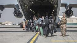 Người dân Afghanistan khẩn trương sơ tán trong bối cảnh G7 họp ứng phó với Taliban