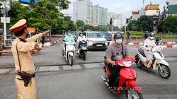 Áp dụng Chỉ thị 16: Sắp khai giảng, ở Hà Nội có được về quê đón con lên học không?
