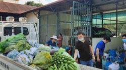"""Nông dân Lào Cai gửi tặng 50 tấn gạo, chuối, rau xanh """"tiếp sức"""" Hà Nội chống dịch Covid-19"""