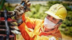 EVNCPC: Làm việc xuyên đêm để đảm bảo người dân vùng dịch có điện 24/24
